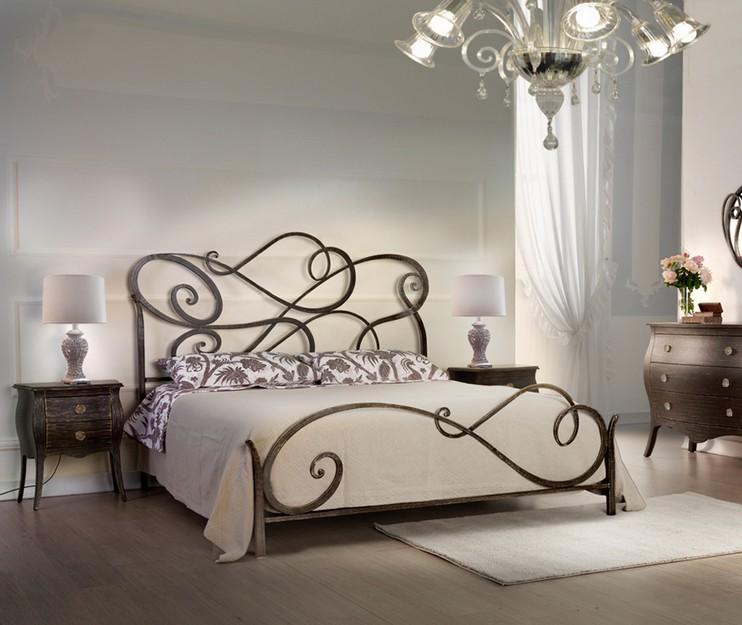 Letto matrimoniale in ferro battuto aura di cosatto linee - Camere con letto in ferro battuto ...