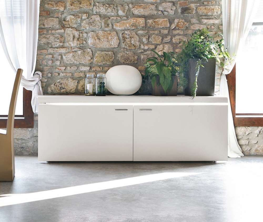 Madia goya di tonin casa laccata moderna ideale per for Credenze sala da pranzo moderne