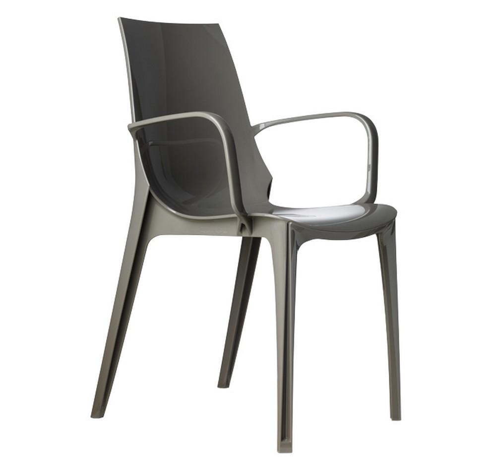 Sedia impilabile in plastica vanity di scab design per for Sedie design con braccioli