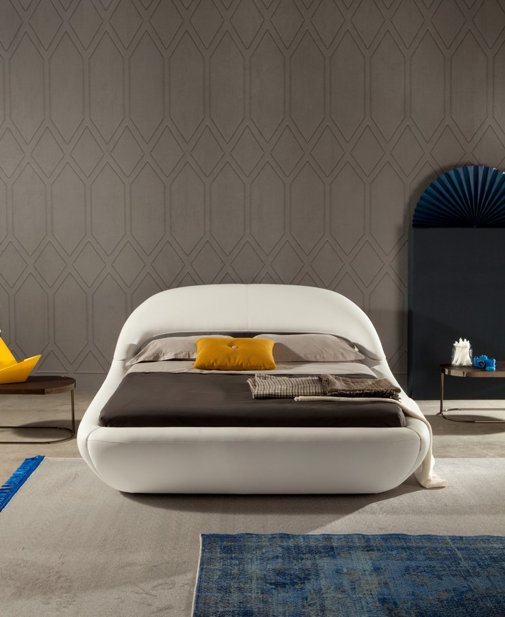 Letti Design Pelle.Letto Matrimoniale Sleepy Di Tonin Casa In Pelle E Ecopelle