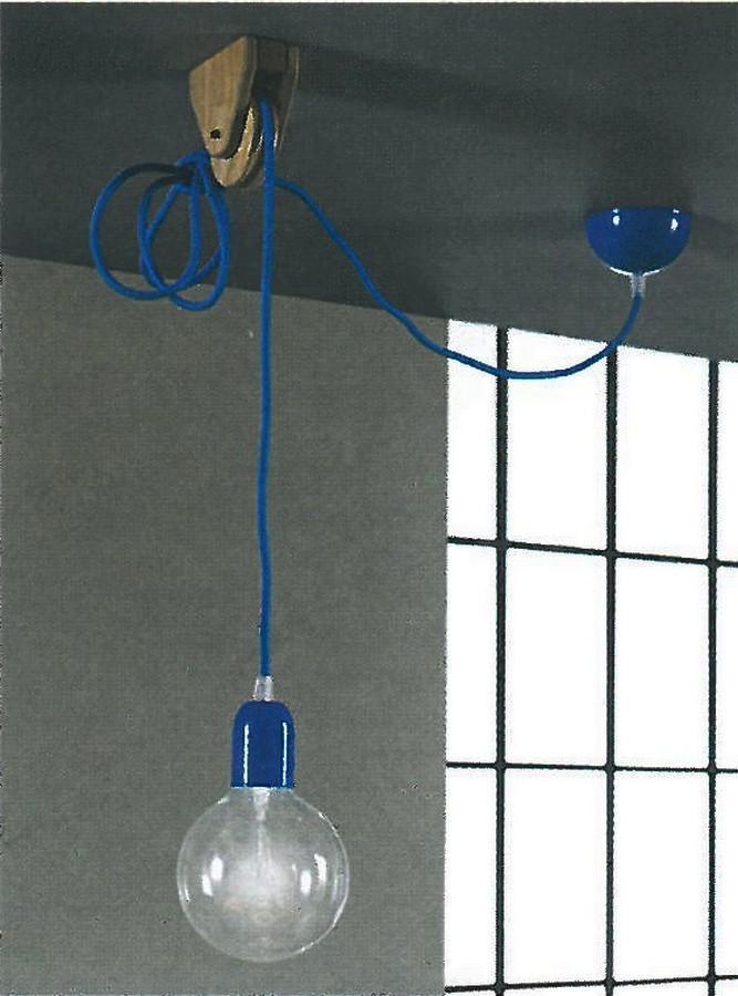 https://www.arredamentopari.com/data/prod/img/lampada-a-sospensione-di-altacorte-con-carrucola-in-legno.jpg