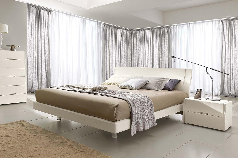 Letto matrimoniale in legno clio di napol for Design camera da letto matrimoniale