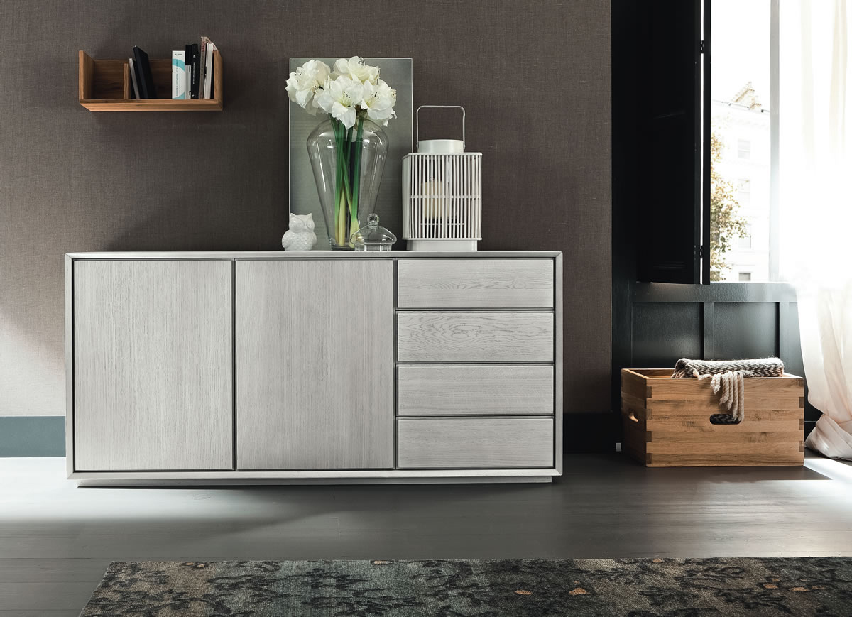 Madia nook di altacorte in rovere con due ante battenti e for Credenza piombini