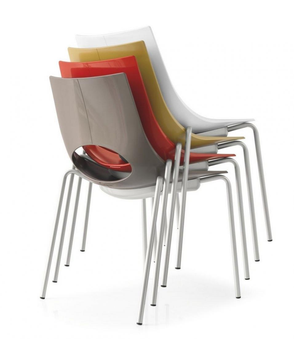 Sedia congress impilabile di connubia calligaris con for Poltrone calligaris