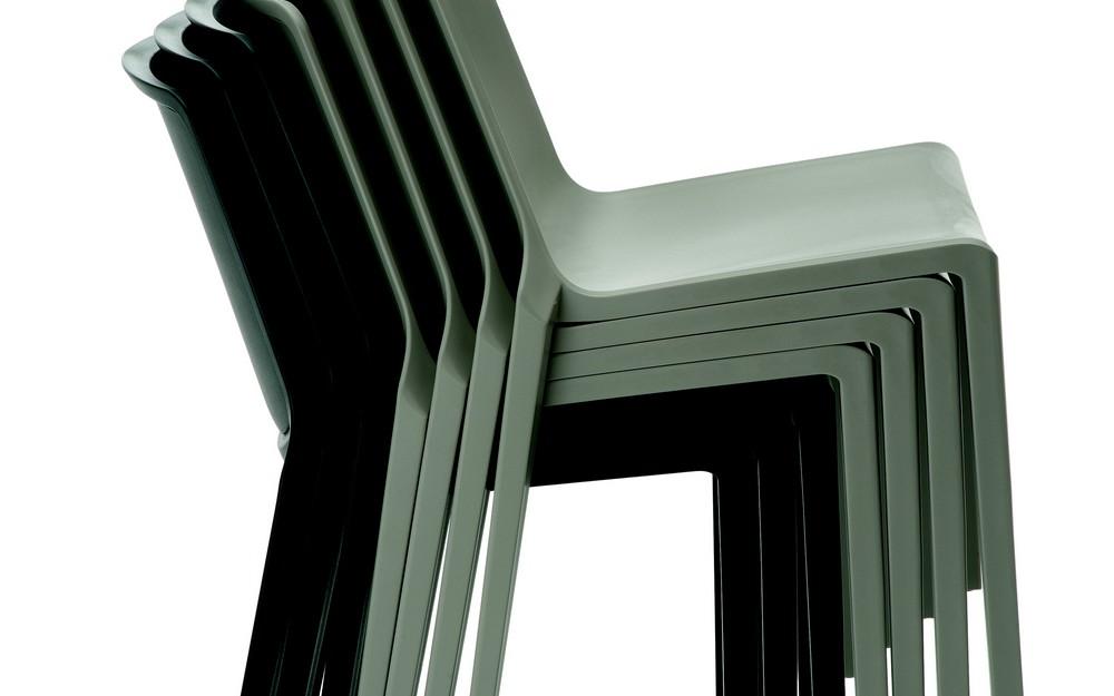 sedia bontempi ingenia mia impilabile in polipropilene per esterno