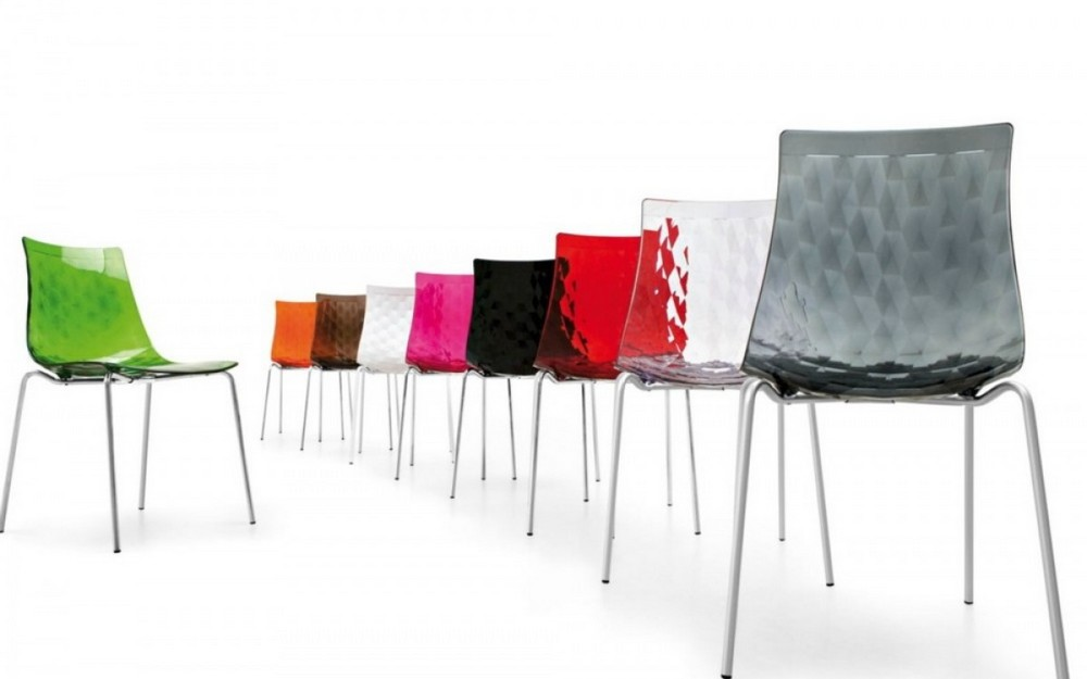 sedia in plastica con struttura in metallo modello ice di