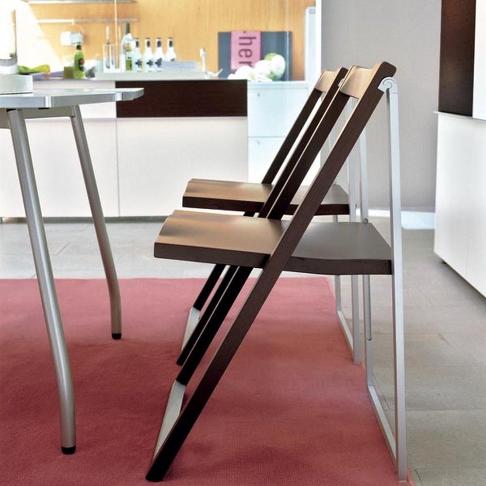 Sedia skip di calligaris pieghevole in alluminio e legno for Sedia di d annunzio