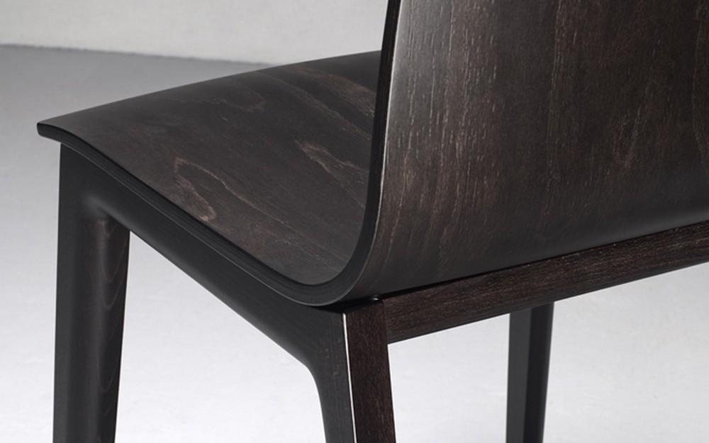 Sedia smilla di scab design con scocca e telaio in legno for Sedie di design in legno