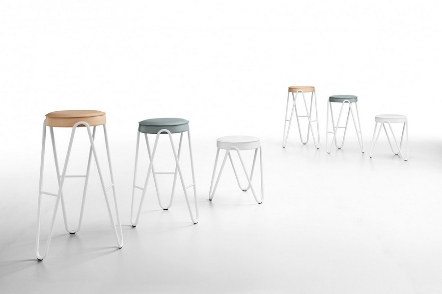 Midjs apelle jump stool with coated seat