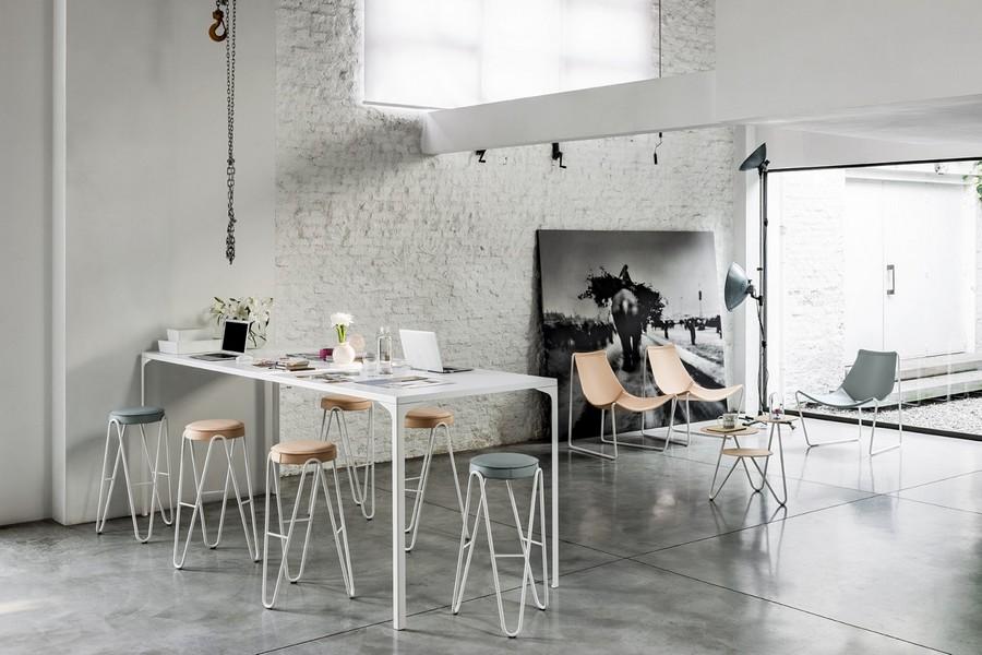Sgabello Cuoio Design Apelle Midj : Sgabello apelle jump di midj con seduta rivestita