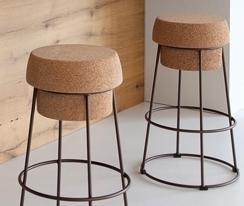 sgabello bochon di domitalia con seduta in sughero. Black Bedroom Furniture Sets. Home Design Ideas