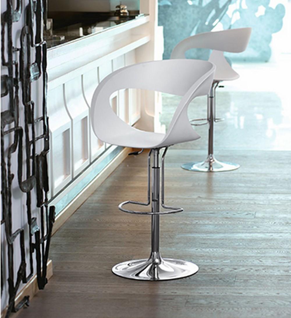 Sgabello Raff SG-B di Midj con seduta in plastica Baydur e struttura in acciaio