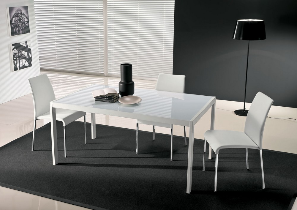 Tavolo allungabile leo di bontempi ingenia con piano in cristallo - Tavolo con sedie offerte ...