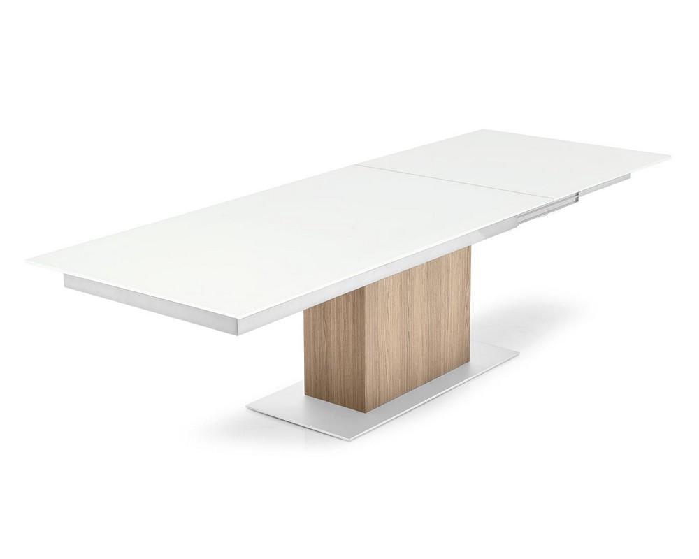 Tavolo allungabile Sincro di Calligaris con struttura in metallo piano in vetro