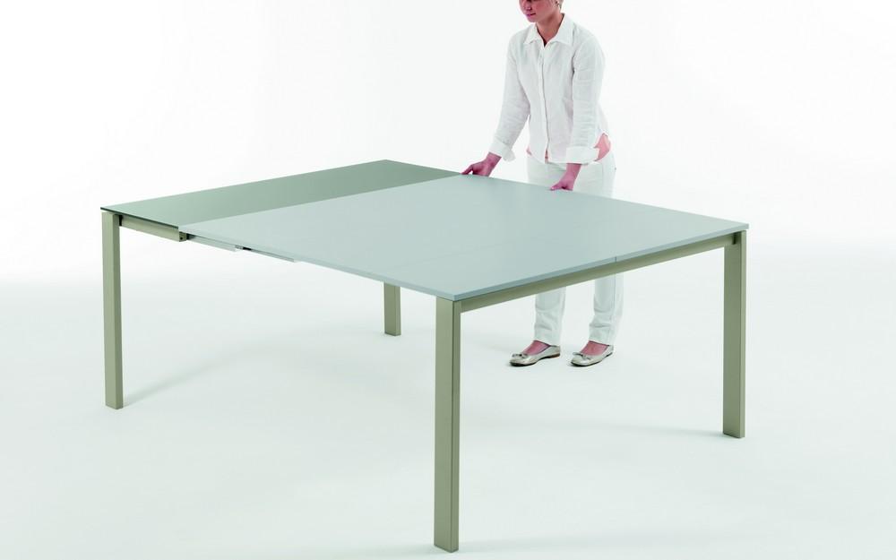 Tavolo consolle vega di bontempi ingenia con piano in cristallo - Tavolo consolle allungabile con sedie ...