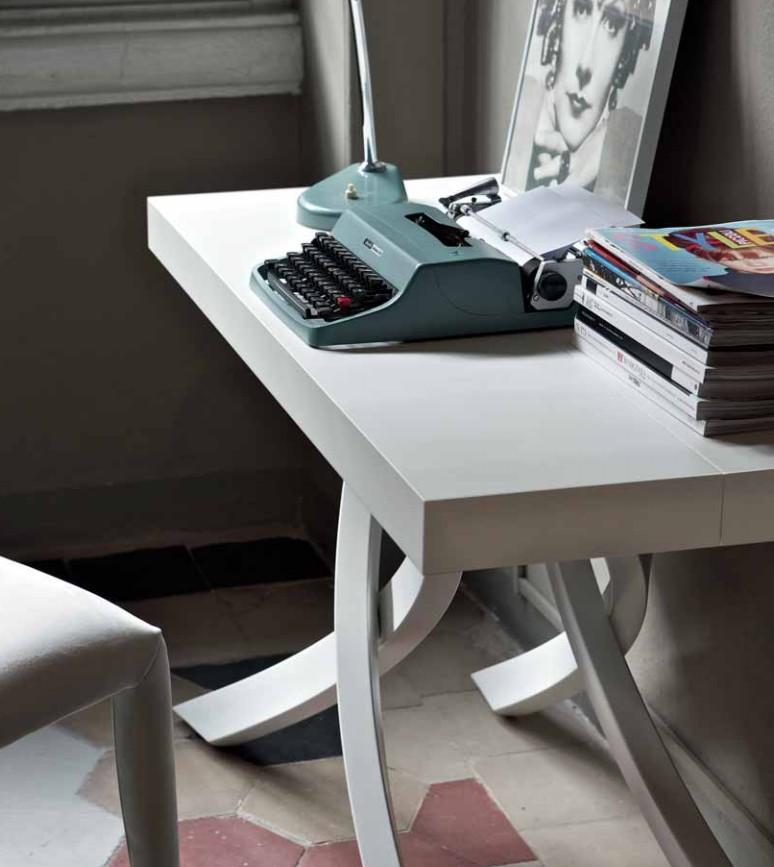 Tavolo consolle Artistico di Bontempi moderna ed elegante
