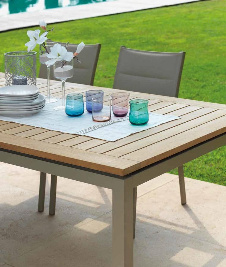 Tavolo timber allungabile di talenti per esterno - Piantana per tavolo da pranzo ...