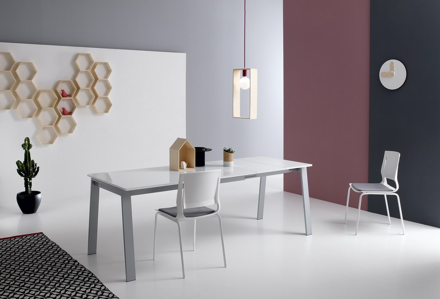 Delta Plus functional extendable kitchen table from Point House