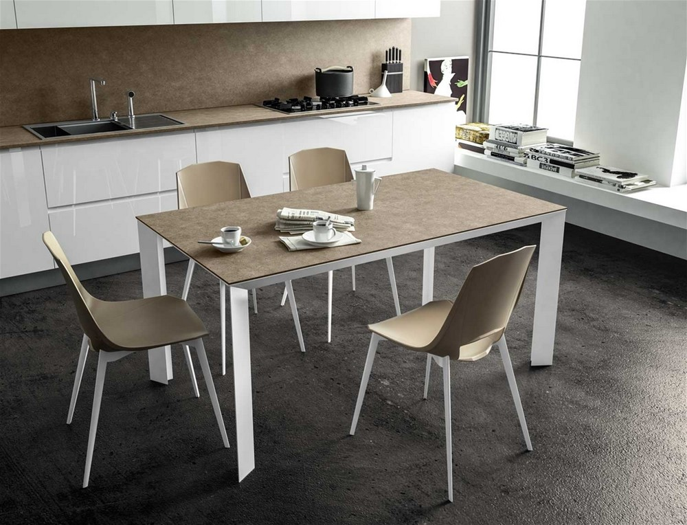 Tavolo da 140 allungabile diamante di point house in vetro for Tavolo cristallo allungabile calligaris