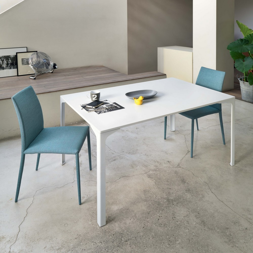 Tavolo armando di midj fisso e allungabile interamente in for Tavoli per cucina moderni