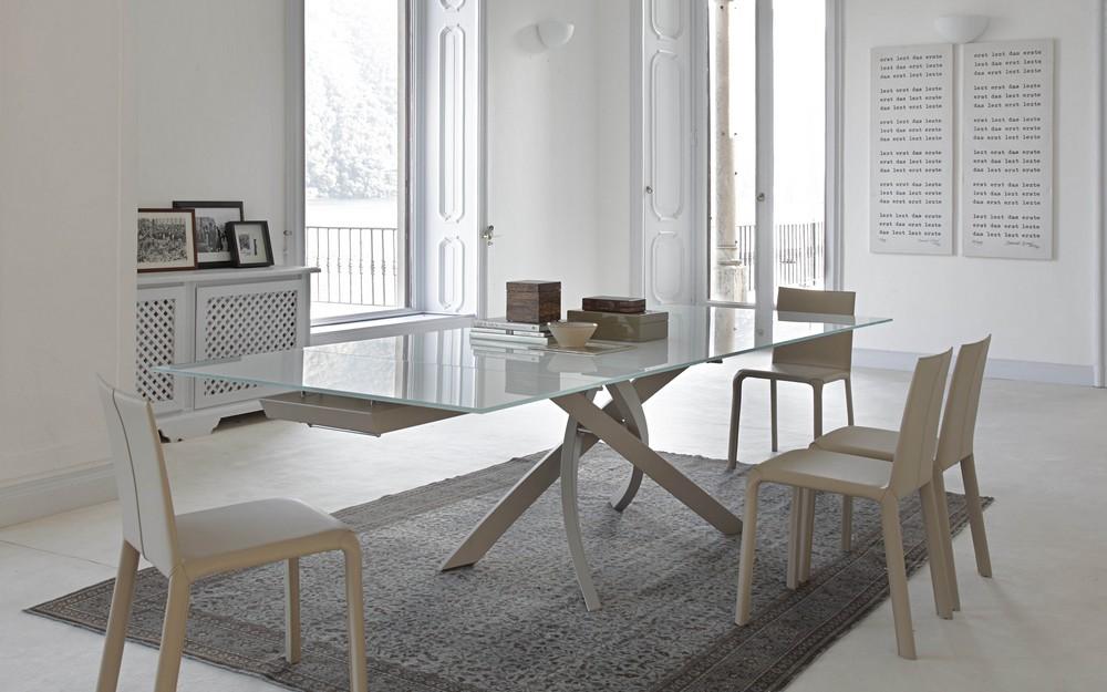 Tavolo fisso Artistico Bontempi design con struttura acciaio e piano cristallo