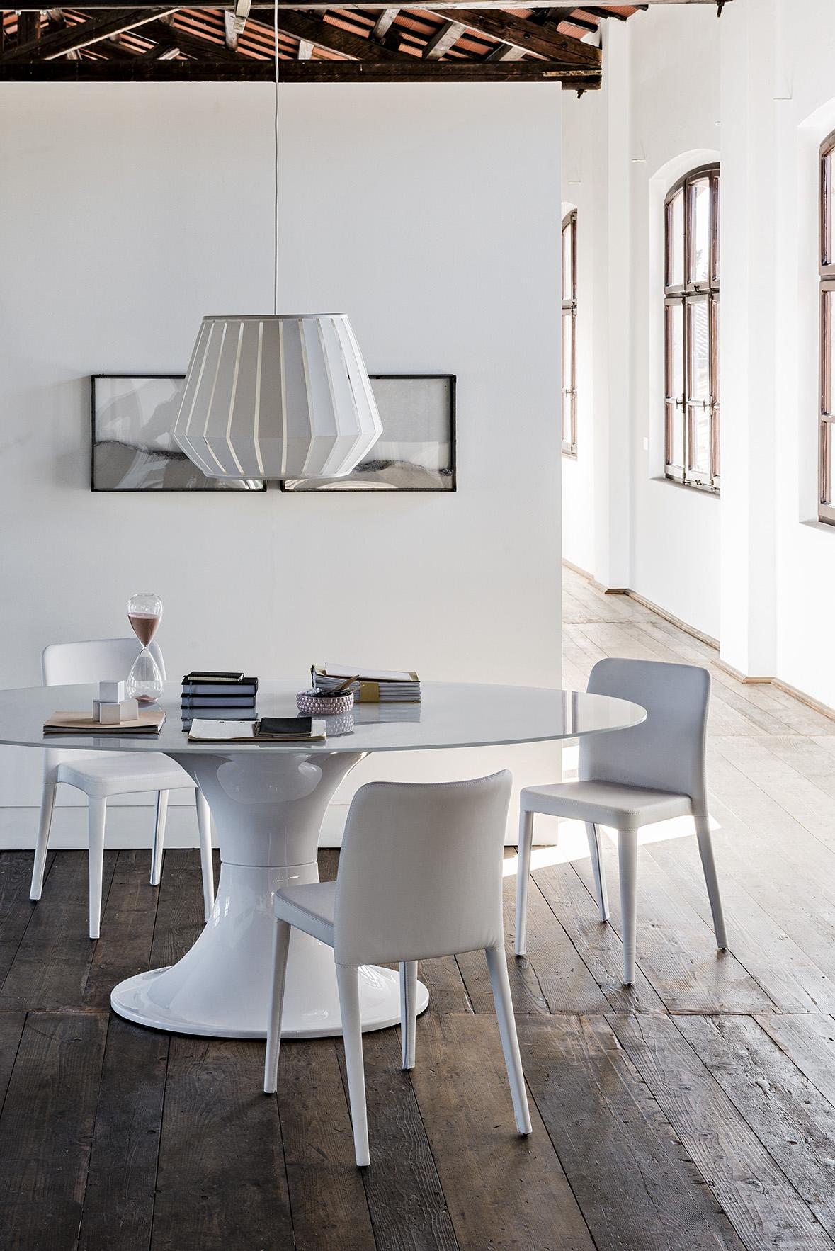 Tavolo london di midj ovale - Tavolo di vetro ovale ...