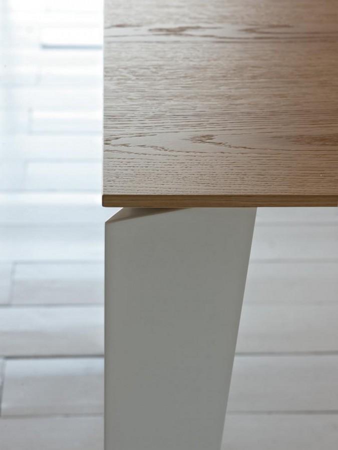 https://www.arredamentopari.com/data/prod/img/tavolo-moderno-e-di-design-cruz-di-bontempi-in-molteplici-dimensioni-e-finiture-12.jpg