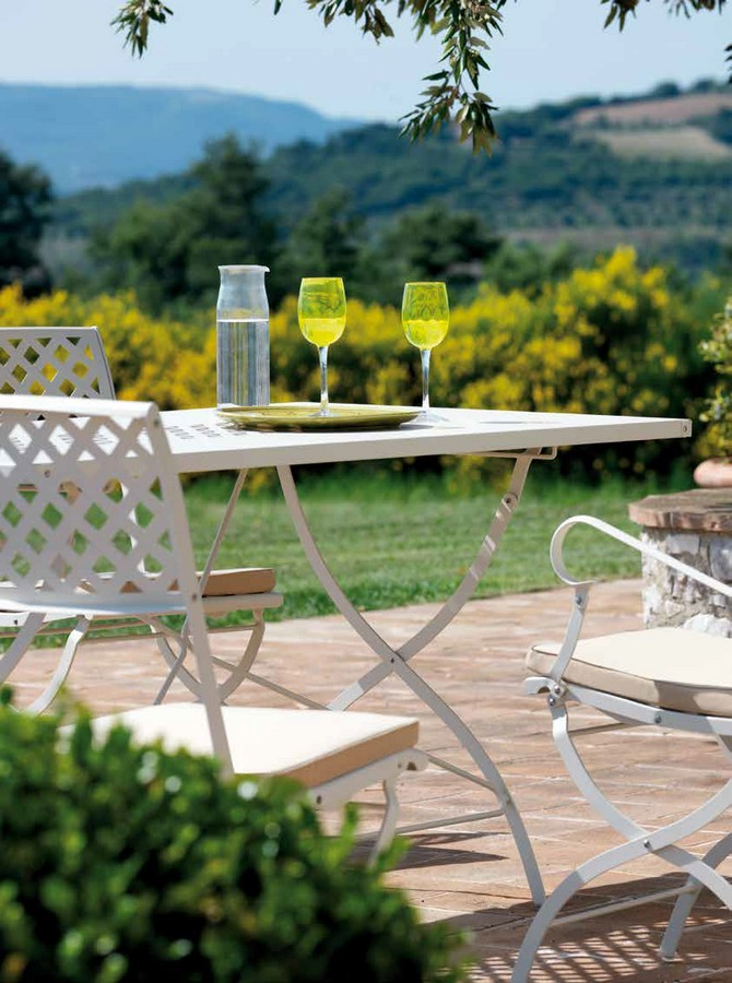 Tavolo springtime pieghevole di vermobil per esterno for Tavolo pieghevole design