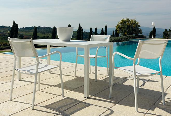 Tavolo da esterno in metallo quatris di vermobil - Tavolo ferro giardino ...