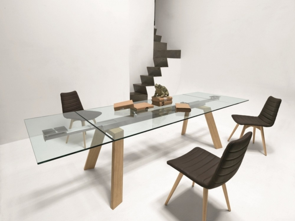 Toronto fixed or extendable table by midj for Tavolo di cristallo