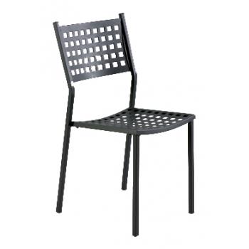 Sedia impilabile in metallo da giardino alice di vermobil for Sedie da esterno in ferro