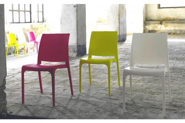 Sedie In Plastica Da Interno.Sedie In Plastica Colorate Moderne Impilabili Per Interno Ed Esterno
