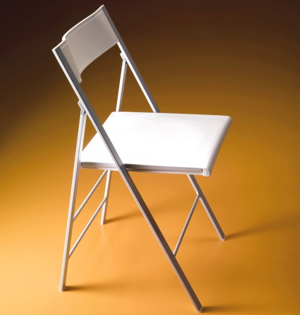 Sedia pieghevole poket di bontempi con seduta e schienale for Sedie polipropilene bianche