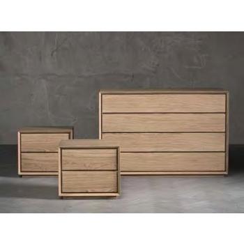 Comodino Nook a due cassetti in legno massiccio di Altacorte