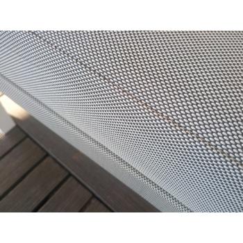 Divano della linea Step di Talenti da esterno in acciaio verniciato e textilene per esterno