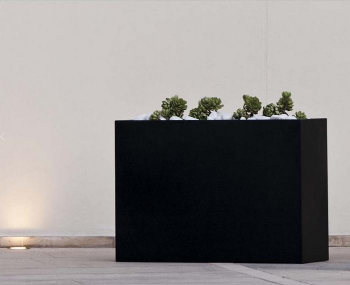 Fioriera della linea Planter di Talenti per esterno semplice e elegante