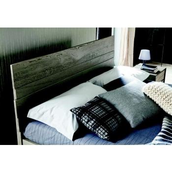 Letto Kenzo di Altacorte matrimoniale in tavole di legno massiccio