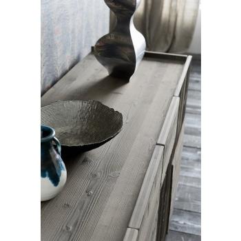 Madia della linea Easy di Altacorte in legno di abete con quattro ante battenti