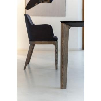 Sedia Bontempi Margot con struttura in legno o in acciaio laccato imbottita