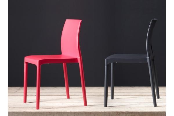 Sedia Chloè Trend Chair Mon Amour con braccioli di Scab Design