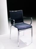 Sedia con braccioli Net di Bontempi per esterno impilabile