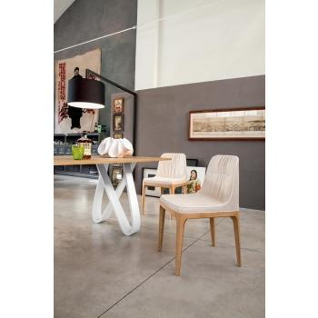 Sedia con struttura in legno rivestita in pelle, ecopelle o cuoio Mivida Di Tonin Casa
