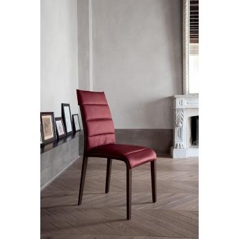 Sedia con struttura in legno rivestita in pelle o ecopelle Portofino di Tonin Casa