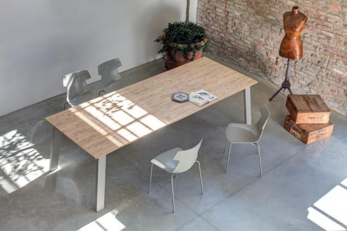 Sedia impilabile Giulia di Ingenia Bontempi