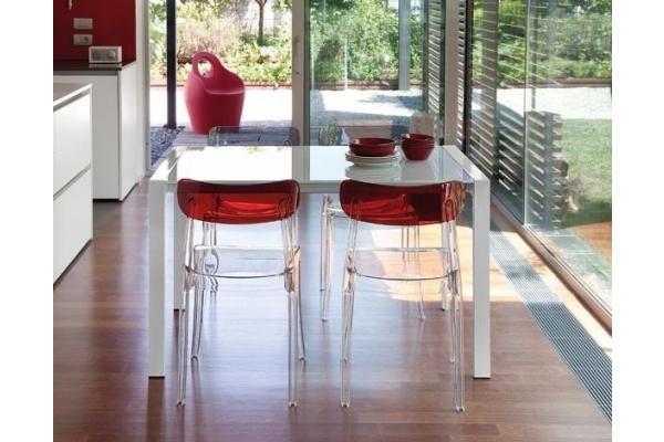 Sedie per esterno resistenti semplici moderne colorate