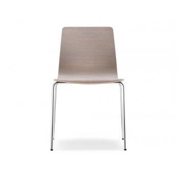 Sedia impilabile Inga 5613 di pedrali con seduta in legno