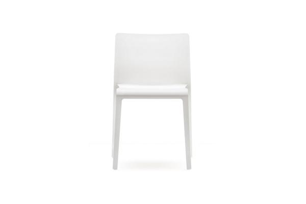 Sedia in Polipropilene Volt 670 di Pedrali impilabile