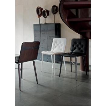 Sedia Kate Bontempi con seduta in legno e struttura in legno o acciaio