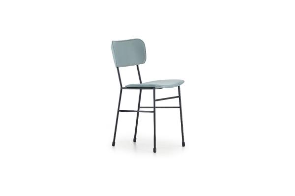 Sedia Master di Midj a quattro gambe in acciaio con seduta e schienale rivestiti