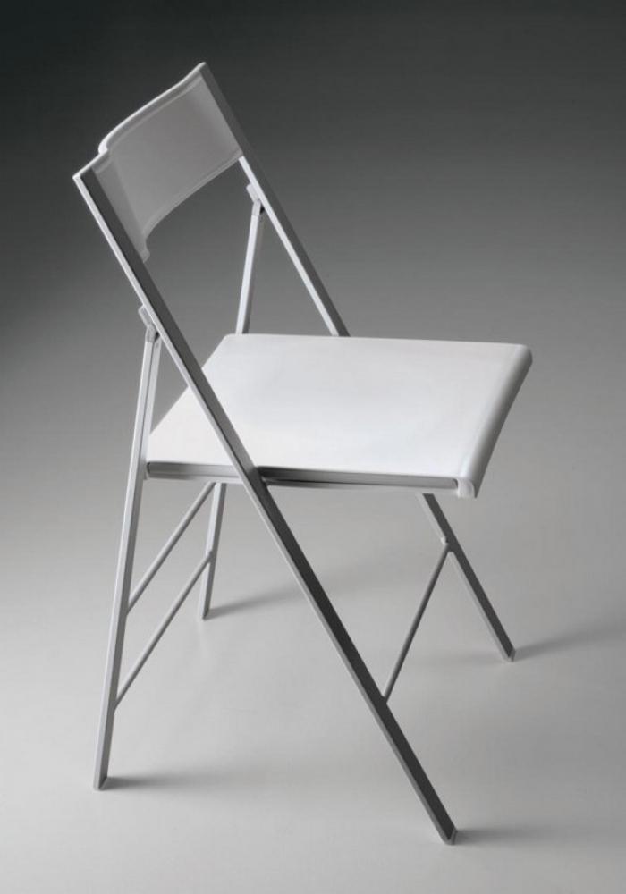 Sedia Poket pieghevole di Bontempi in acciaio e seduta in polipropilene